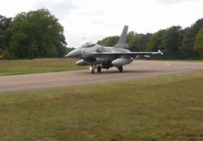 F16 Taxied